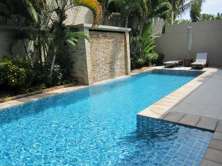Family Pool Villa-Secure Estate-Close Beach NM, Bang Tao Beach