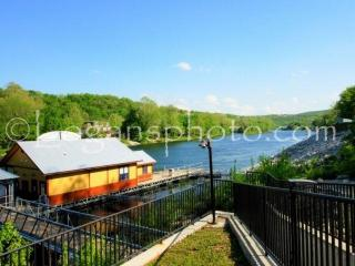 Lake Taneycomo 2BDR Condo in Fall Creek Resort (Two) (42-10), Branson