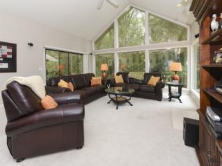 Quiet Neighborhood w/ on-site Pool & Tennis - Bikes included - Perfect Sea Pines
