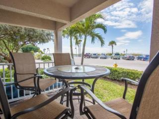 Spacious Corner Unit on Pass-A-Grille Beach. Heated Pool. Enjoy the Best the Are