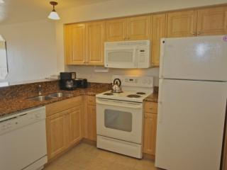 Full kitchen with appliances