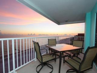 5th Floor, Corner Penthouse w/ Amazing Beachfront Views! 2 King Beds, Ideal for