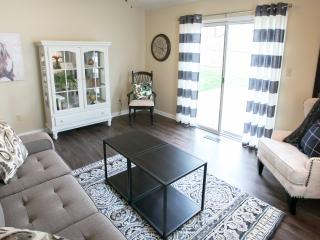 Beautifully Remodeled Home Sleeps 6 Near Akron OH, Cuyahoga Falls
