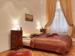 Bohemia Antique Apartment with terrace, Praga