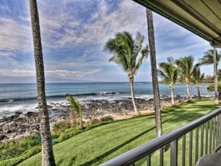 Highly Desirable Napili Shores Resort - I Building Oceanfront Studio, Napili-Honokowai