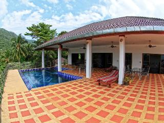 Villa G Luxury villa 5 rooms private swimming pool, Taling Ngam