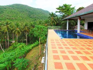 Villa G Luxury villa with swimming pool 5 bedroom, Taling Ngam