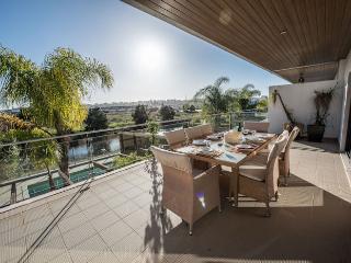 Villa Meia Praia Lagos