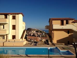 trilocale vista mare in residence con piscina priv, Castelsardo