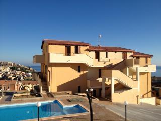 Bilocale vista mare in residence con piscina, Castelsardo