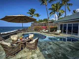 Oceanfront elegance, 4 bedroom, Private Pool & Spa, Spectacular Views, Kailua-Kona