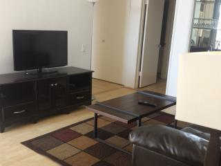 Sunny, Bright, And Airy 2 Bedroom House By The Beach, Santa Monica