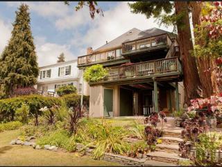 Homey, Large and Convenient 4 Bedroom, 2.5 Bathroom Home in Berkeley