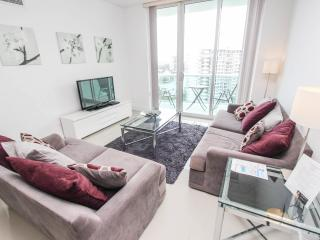 Beautiful Apartment right on the beach, Fully Furnished, at The Tides Complex