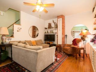 Historic DC: MONROE HOUSE in Arts District, Washington
