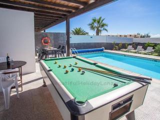 Villa Mariola with private pool in Playa Blanca