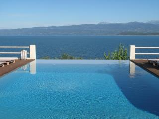Fantastic views from the infinity pool