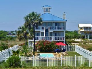 'When Pigs Fly' Beachview w/Private Pool, Gulf Shores