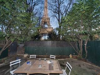 1ST RAW, LOFT & GARDEN IN EIFFEL TOWER, VIEW,, París