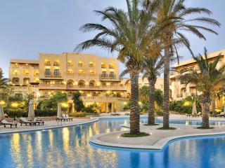 3 Bedroom Residence within 5 * Kempinski Hotel, San Lawrenz