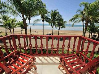 Luxury Beachfront 3 bdrm/2bath Condo, Jaco Beach, Puntarenas