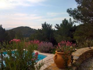 Villa ente Bandol et La Cadiere d'Azur
