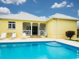 Deluxe 3 bedroom villa with pool, Christ Church