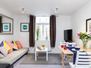 1 Bedroom Flat High Street, London