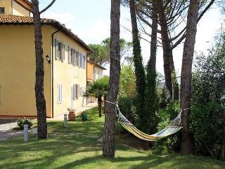 "La Certaldina Apt 2 Panoramic Villa with pool in Chianti ""Relax & Visit Tuscany"""