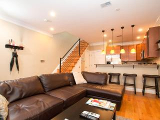 Rhode Island Ave Suites! Great 2BR 2.5 BA Downtown Dc