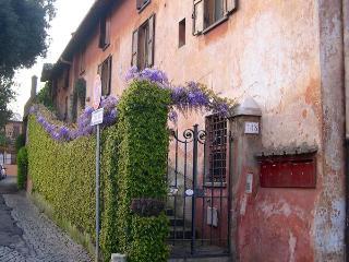 Wisteria Home Rome Ostia Antica