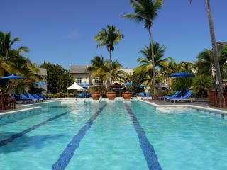 Luxury 3 bed villa in Cas En Bas beach location
