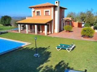 048 A very clean and spacious finca, Santa Margalida