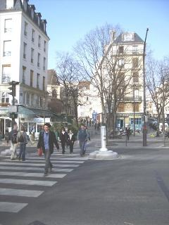 Rue Pont Louis Philippe intersection with the quay de Seine