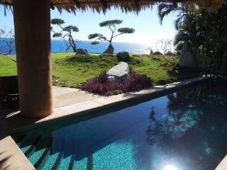 Villa Paita - Clifftop 5-star Oceanfront Villa