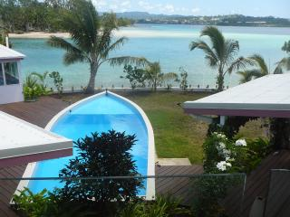ABSOLUTE BEACH FRONT @ THE HOUSE OF THE RISING SUN, Port-Vila