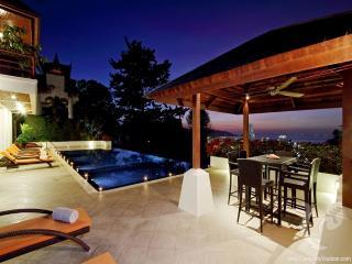7 bdr Villa for short-term rental  Phuket - Patong