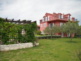 5M apartment Marin, Tisno