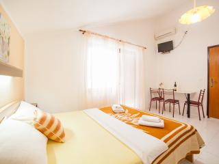 Accommodation Petrovic- Triple Studio with Balcony 8, Becici