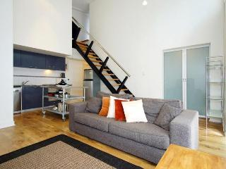 City Sanctuary Penthouse - Long Stays Available