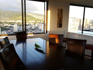 Waikiki Penthouse Ocean/Mtn Views