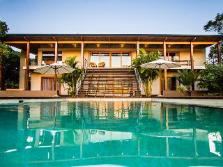 KwaZulu-Natal Modern Villa Near Beach with Large Pool and Outdoor Living, Sleeps 10, Mtunzini