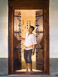 Puri Bawana - Front door & staff