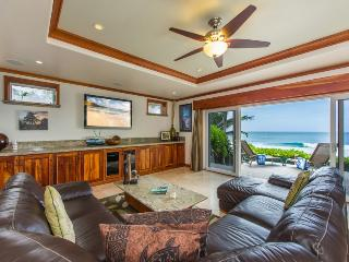 Banzai Pipeline Paradise Home w/Gorgeous Ocean Views & A/C! Pipeline House