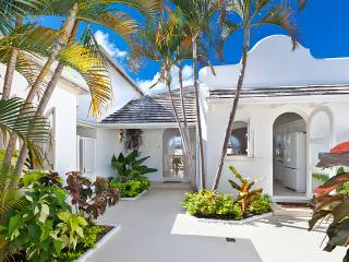 Caribbean Casas: Dreamy Villa Alta up to 6 guests, just 4km to the beach!
