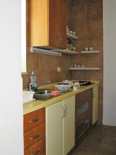 A D(5): kitchen