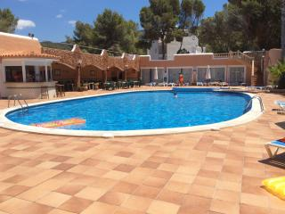 Lovely 2 Br w/ pool 6P  walk to beach, Cala Vadella