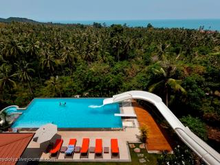 OCEAN VIEW VILLA - WITH WATERSLIDE !