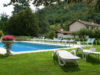 Large Art Nouveau Villa with Rural House and pool, Torreglia