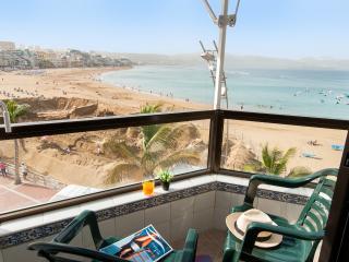 Neptuno City Beach front Apartment (Studio), Las Palmas
